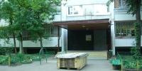 Вход в подъезд дома на Матвеевской улице где жил Высоцкий