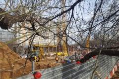Дом на Аминьевском шоссе - строительство первого этажа, вид с Аминьевского шоссе